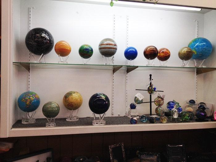 willis rock shop mova globes
