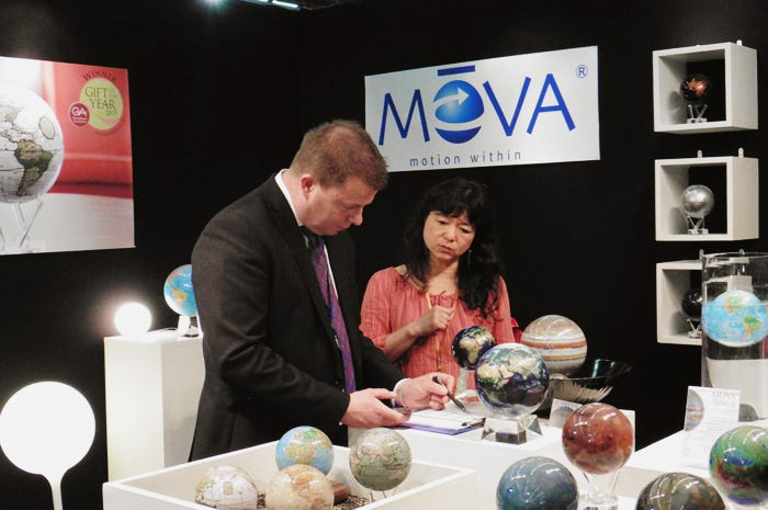 MOVA Globes Ambiente