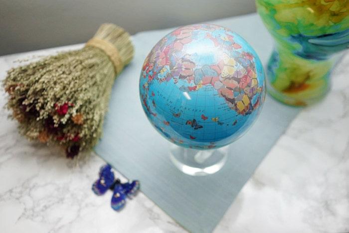 butterfly mova globe spring