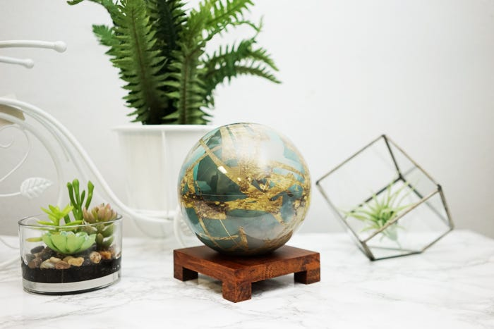 titan mova globe spring