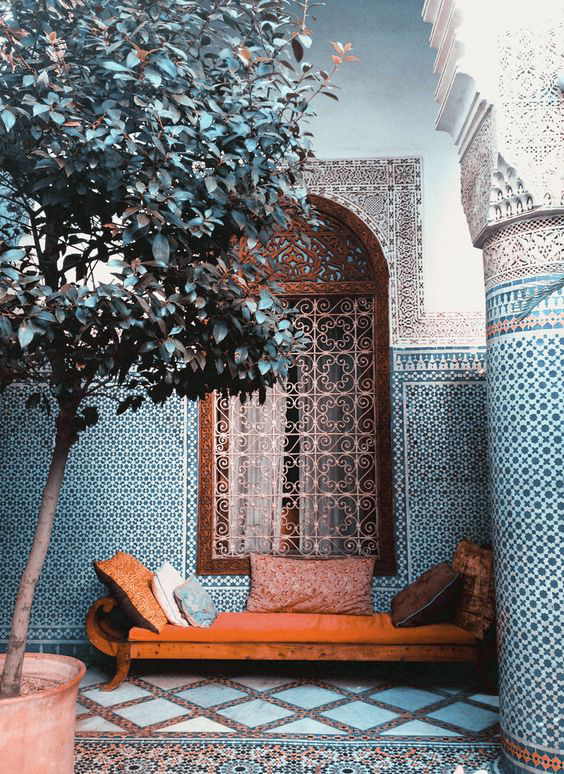 morocco-style-tiled-room-with-pantone-potters-clay-bench