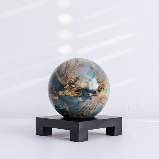 "Titan MOVA Globe 4.5"" with Square Base Black"