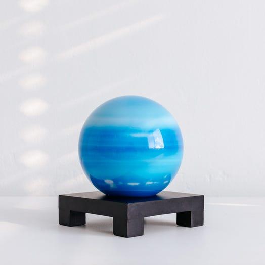 "Uranus MOVA Globe 4.5"" with Square Base Black"